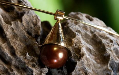 Anhänger gold mit Stein