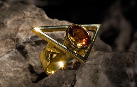Ring gold, Dreieck