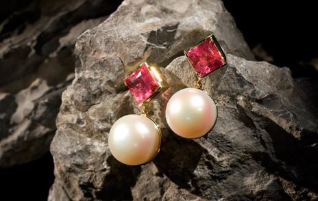 Ohrringe in Pink mit Perlen